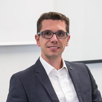 Prof. Dr. Marco Pruckner