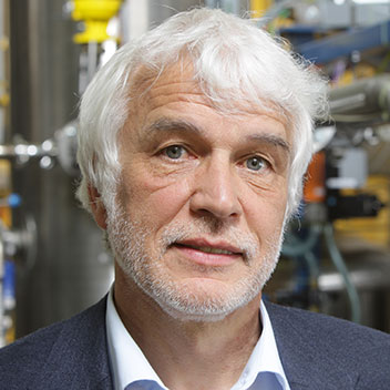 Prof. Dr. Eberhard Schlücker